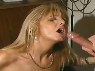 Super kinky sex mommy in black stockings assits her minion about her coochie