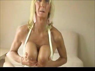 OLDER WOMAN 3 xxfuckerxx
