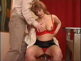 Секс с русской мамочкой и студента 18 лет