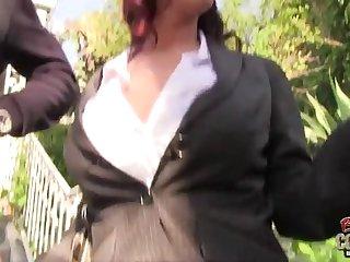 Негры развели нас секс опытную деловую даму