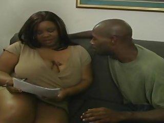 Толстая подорва предложила другу развратный секс
