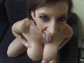Секс видео от первого лица со зрелой женщиной Sara Jay