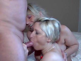 Порно старых женщин и их немолодого трахаря