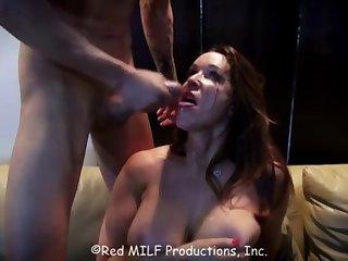 Красивый вечерний секс с опытной красоткой