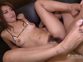 Японский секс молодой девушки и её опытного любовника