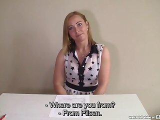 Обалденный трах с милой женщиной на порно кастинге