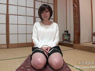 Послушная взрослая баба из Японии красиво занимается сексом с мужем
