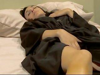 Две влюбленные монашки лесбиянки грешат в уютной спальне монастыря