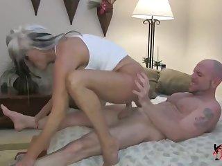 Мужик зашивает женщине вагину фото 396-738