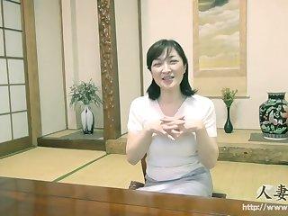 Великолепное японское порно с пожилой женщиной и её развратным супругом
