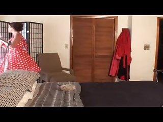 Молодой квартирант случайно застал свою грудастую 40 летнюю хозяйку за мастурбацией в спальне