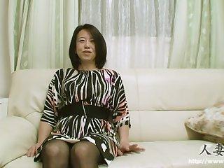 Женщина старушка из Японии обожает заниматься любовью