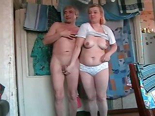 Частное порно с 50 летней русской бабой и её старым мужем