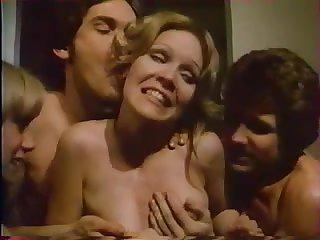 Старый французский порно фильм 70х годов с красивыми женщинами