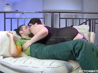 Порно hd русская женщина в самом соку отдалась в позе раком