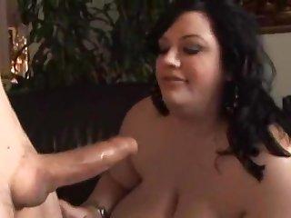 Жирная баба кормит огромными сиськами усатого 50 летнего мужчину