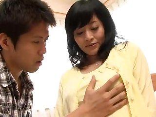 Зрелая японка 50 лет красиво развела парня на сладкий кунилингус