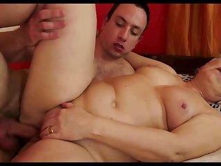 Секс подборка молодых самцов со зрелыми и ненасытными нимфоманками