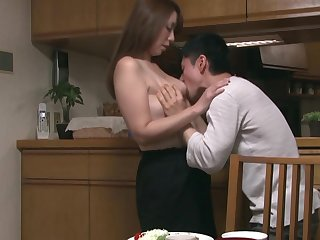 Азиатский секс с длинноволосой соседкой, пока муж на работе