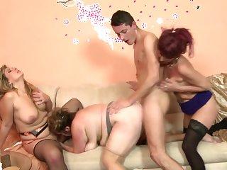 Порно кино турчанки за 60