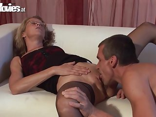 Кричит лижи маме пизду домашнее порно ком