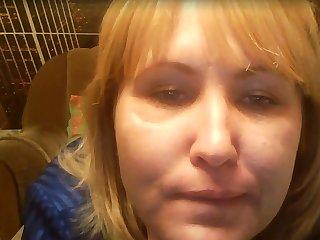 Пока муж на работе зрелая мастурбирует, выйдя в секс видео чат