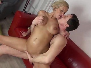 порно зрелые дамы мягкотелые в постели фото