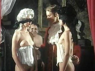 Порно фильм Маркиз де Сад с групповым сексом и бдсм