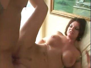 Порно жёсткий анал с болью у старой тётки