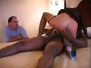 Порно муж смотрит как ебут его жену во все дыры