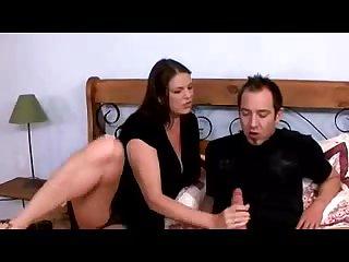 Порно большая зрелая женщина дрочит член худому мужчине