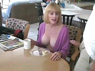 Смотреть порно как зрелая соблазнила молодого