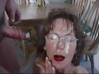 Подборка порно видео со зрелыми женщинами в сперме на лице