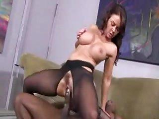 Парень кончил в пизду зрелой порно актире Джанет Мэйсон