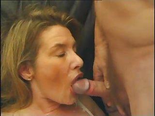 Групповое французское порно со зрелой блондинкой