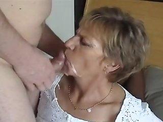Порно много спермы на лице старой бабки