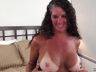 Вагиналный секс с красивой зрелой потаскухой