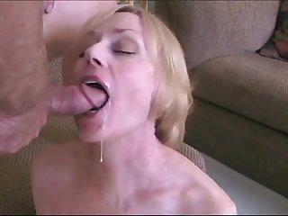 Секс видео крупным планом со зрелой женой
