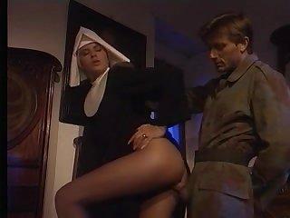 Монашка очень соскучилась по сексу