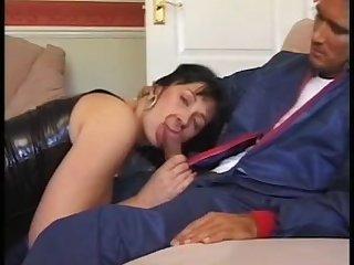 Молодому работнику перепала горячая дамочка