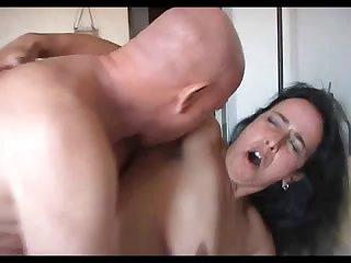 Домашний секс лысого мужа и его красивой жены